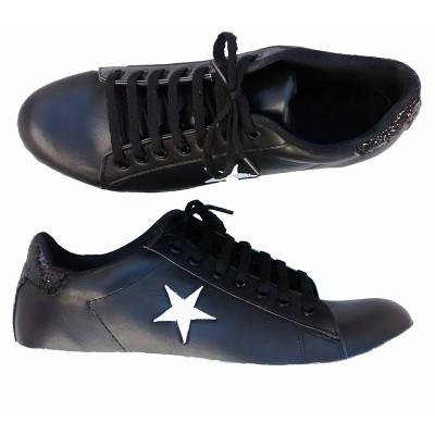 zapatillas-negras-mujer-talles-especiales.jpg