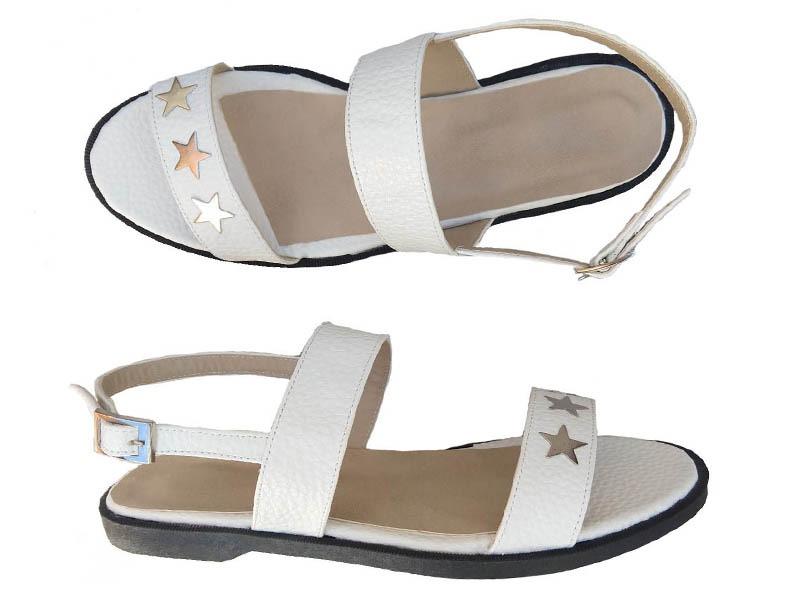 sandalias blancas con estrellas