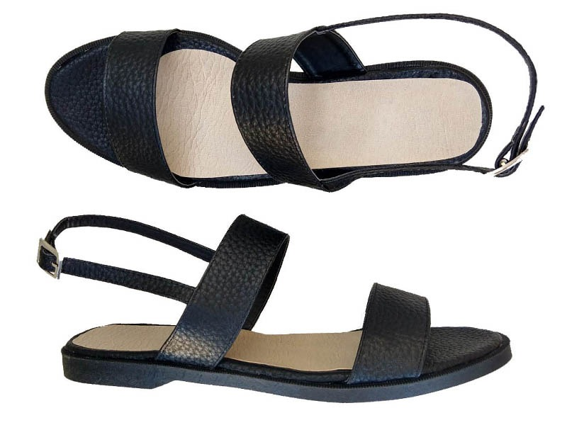 sandalias negras simil cuero
