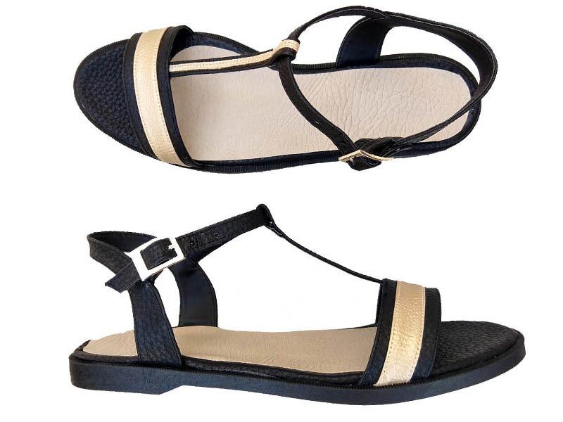 sandalias negras y doradas